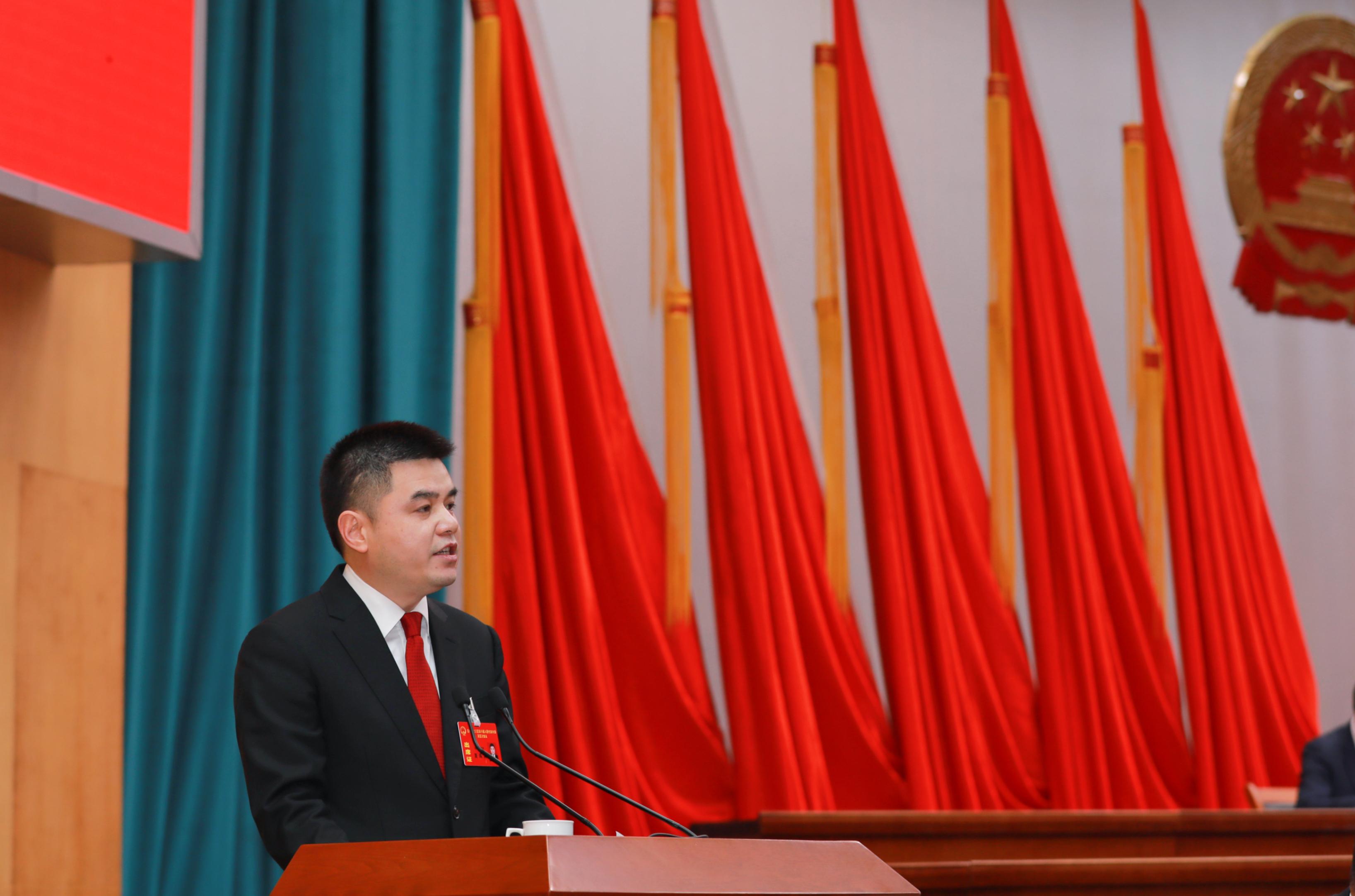 龙湾区委副书记、代区长夏禹桨讲话 杨豪 摄.jpg