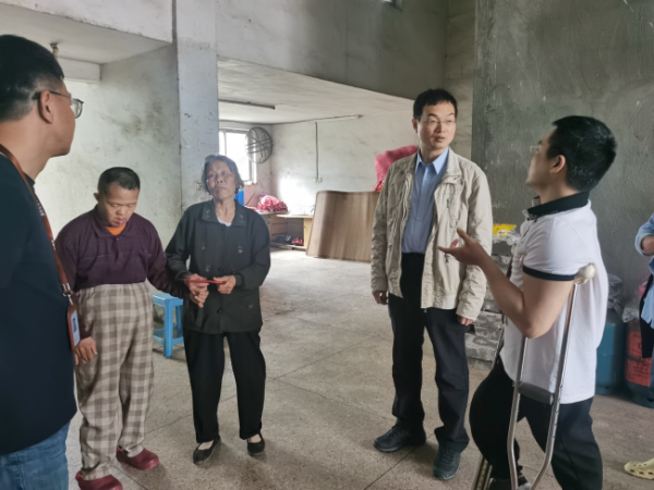 瓯海区残联到潘桥街道走访慰问困难残疾人